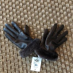 UGG leather shearling shorty brown